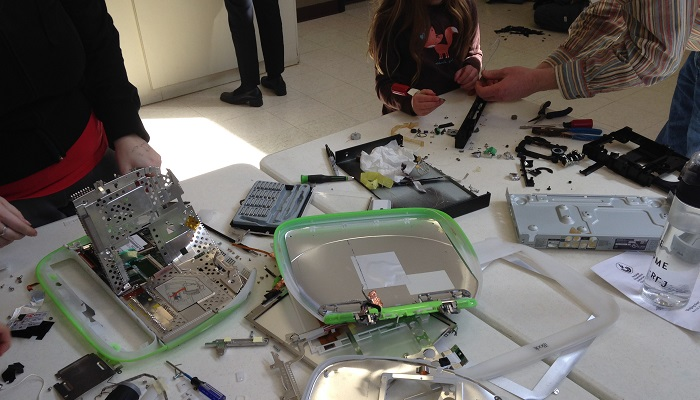 Take-Apart Party, March 29, 2015 - Electronic Parts