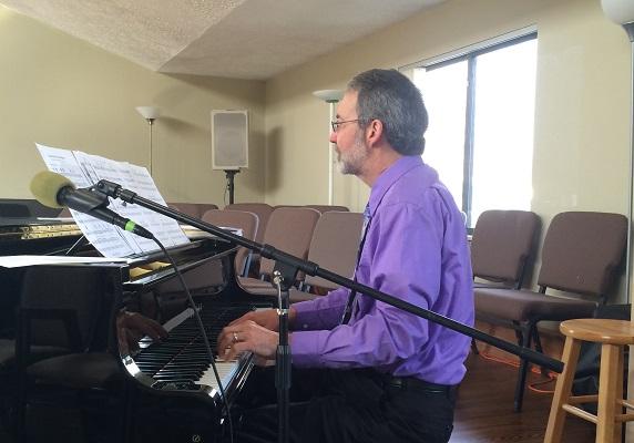 Les Tacy at Piano